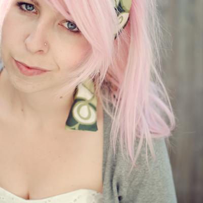 elycia | Social Profile