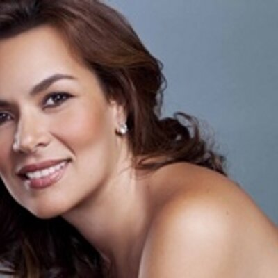 Viviana Monsalvo   Social Profile