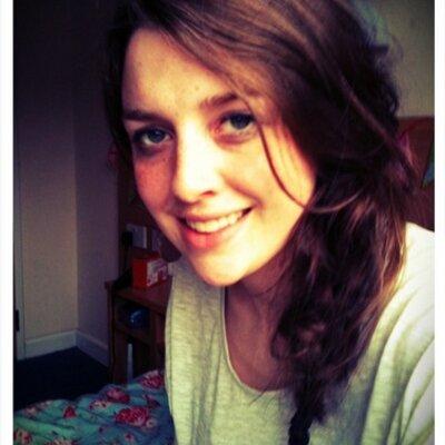 Grace Hollinworth | Social Profile