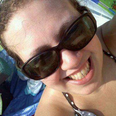 Amanda Bryant | Social Profile