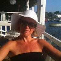 Hayley Marie Rennie | Social Profile