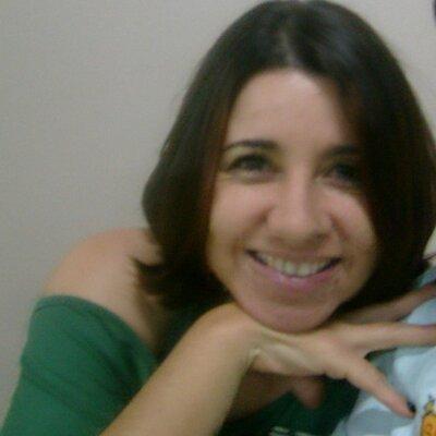 laura   Social Profile
