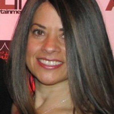 Liz Mendez | Social Profile