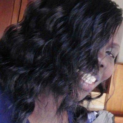 Evelyn Lirri | Social Profile