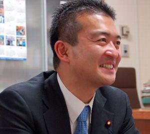 津村啓介 Social Profile