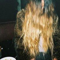 lea colombo | Social Profile