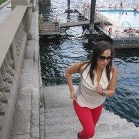 Annina St. | Social Profile