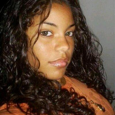 Vannesa Rios | Social Profile
