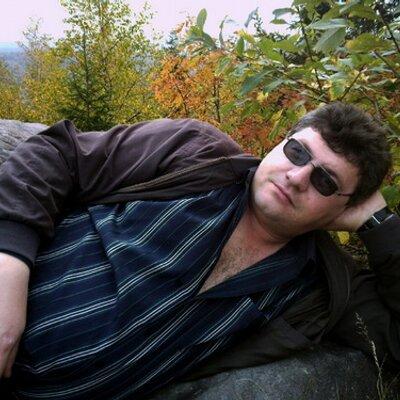 Alek Lewi  | Social Profile