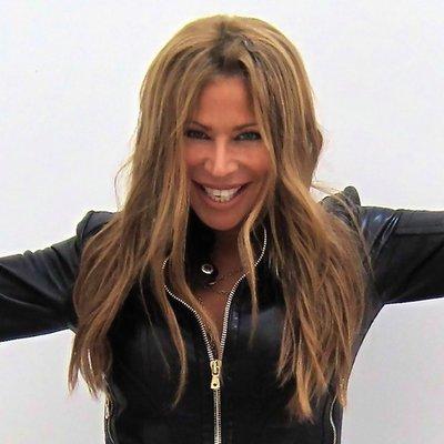 LESLIE HAMEL | Social Profile
