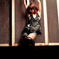 Roxy Flores | Social Profile