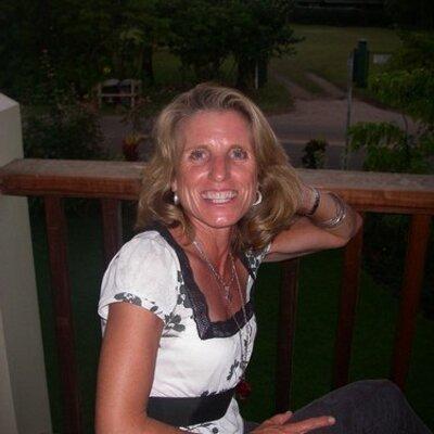 Paula | Social Profile