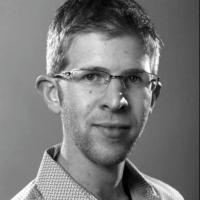 Iain Saxon | Social Profile
