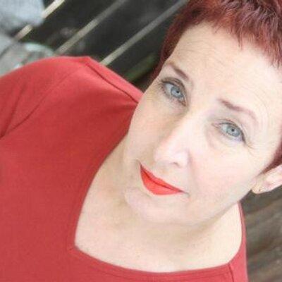 Sara Altshul | Social Profile