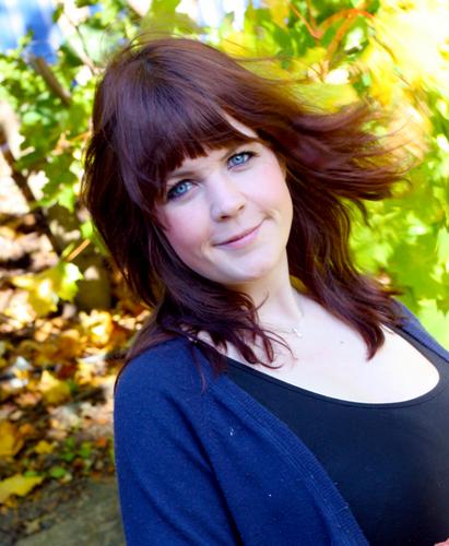Gudrun Jona Social Profile