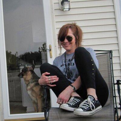 Kristin! Woogie!   Social Profile