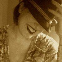 Lauren H | Social Profile