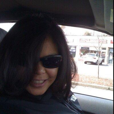 Laura Bustamante   Social Profile