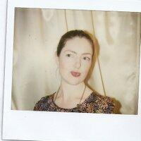 emma calder | Social Profile