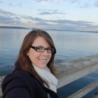 Lauren E | Social Profile