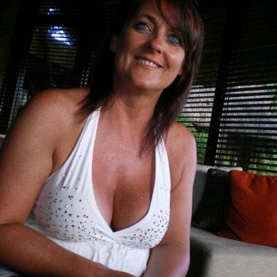 JAYNE DIXON | Social Profile