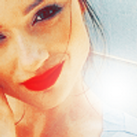 Crystal Reed Brasil | Social Profile