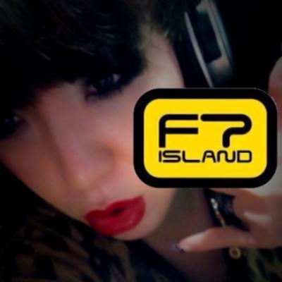 에미♥EMI | Social Profile