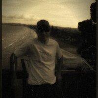 Damian L  | Social Profile