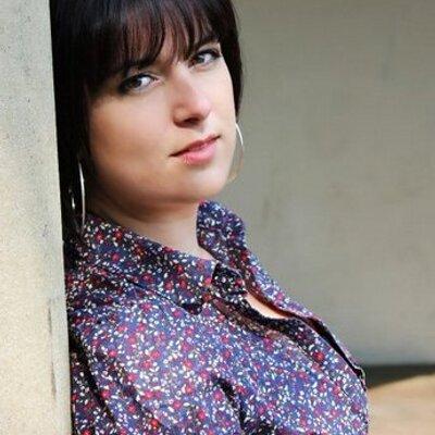 Nikki Leach   Social Profile