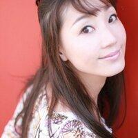 瀧本瞳 | Social Profile