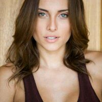 Poliana Soares   Social Profile