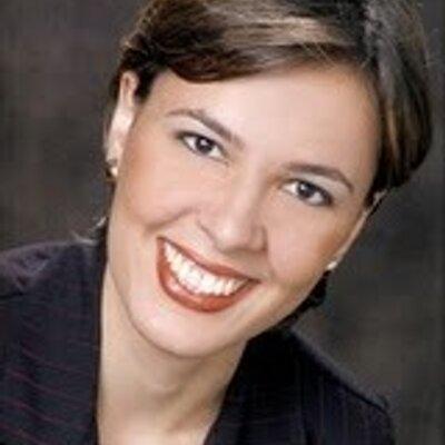 Cecilia Barcelos | Social Profile