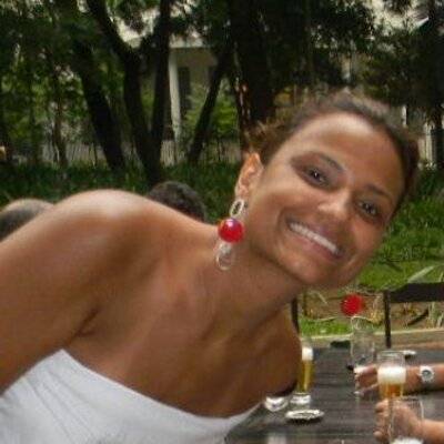 Elisangela Lizardo | Social Profile