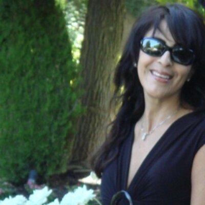 Loretta Naffa | Social Profile