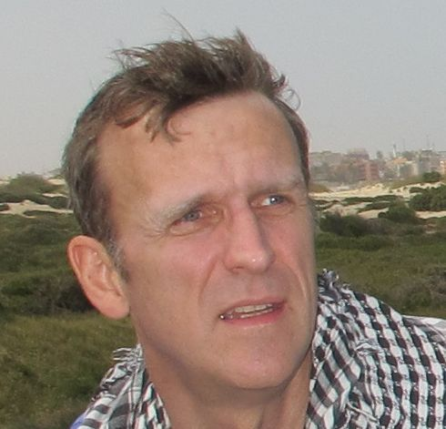 Simon Denyer Social Profile