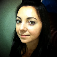 Nicole Zarate | Social Profile