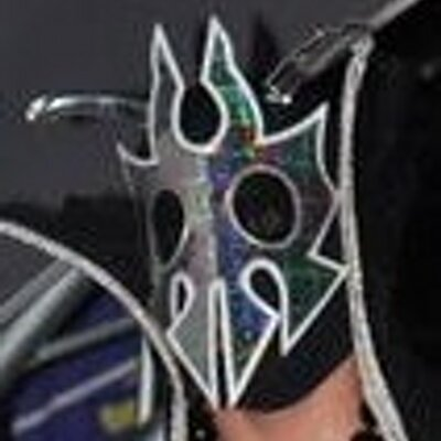 UltraMantis Black Ⓥ | Social Profile