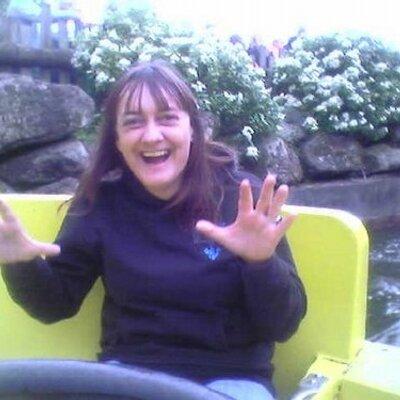Julie Risk | Social Profile
