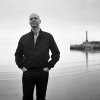 Iain Aitch | Social Profile