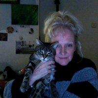 Hilary Rowland | Social Profile