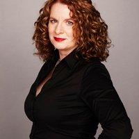 Juliet Rieden | Social Profile