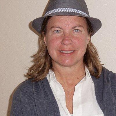 Denise | Social Profile