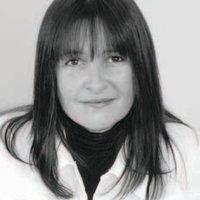 Jacqueline Loch   Social Profile