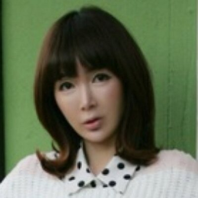 hye won shin | Social Profile