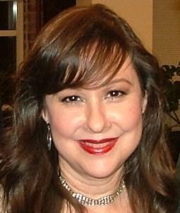 Laura Iriarte Social Profile