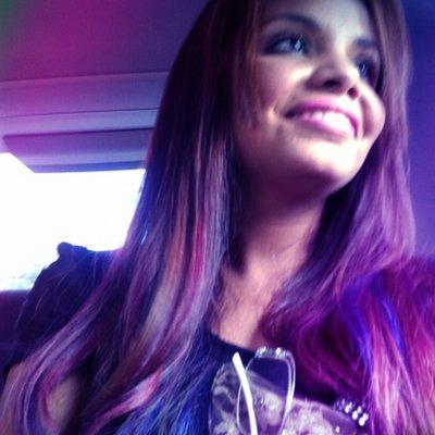 Priscyla Ferreira | Social Profile