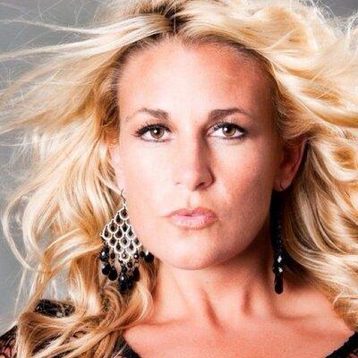 Kendra Hammans | Social Profile