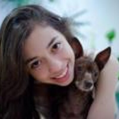 Gabriela Lara   Social Profile