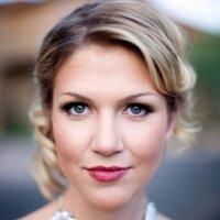 Stephanie Fay   Social Profile