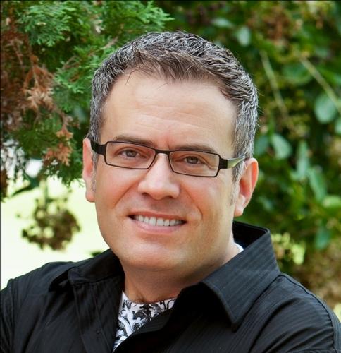 Tor Constantino, MBA Social Profile
